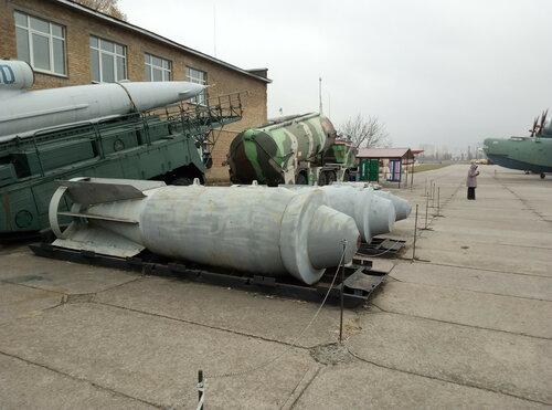 точное название этой авиабомбы и не назову, увы   Киевский государственный музей авиации