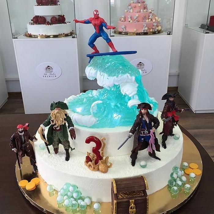 Реалистичные торты от Рената Агзамова