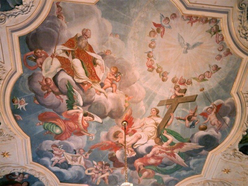 Фреска на потолке замковой капеллы