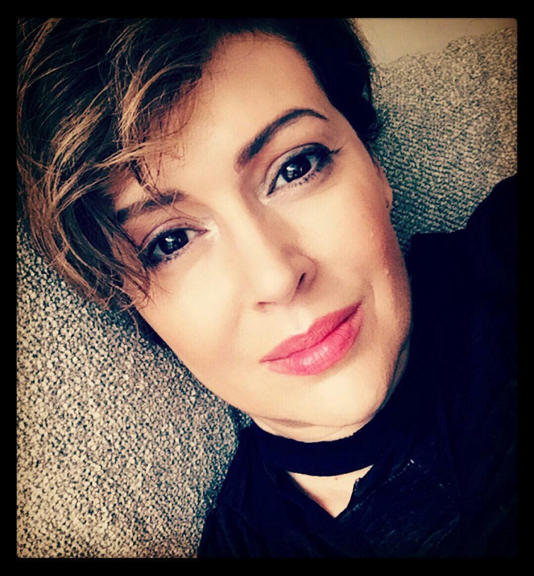The special edition: Alyssa Milano: humus — LiveJournal