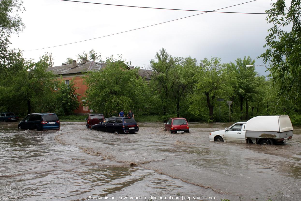 Волжский - ливень 16 мая 2016 19 Партсъезда