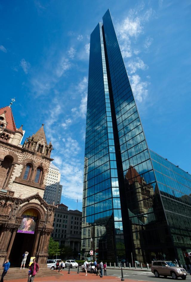14. США, Бостон, церковь Троицы и Башня Джона Хэнкока Самым высоким зданием в Бостоне считается Башн