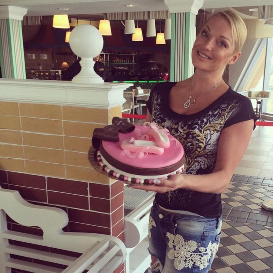 12. Торт от любимой мамочки.