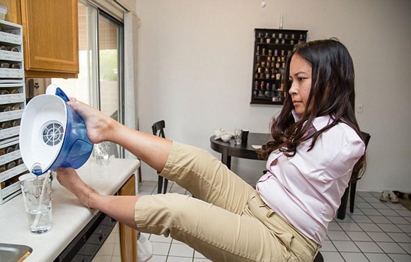 6. Джессика уверенна, что неправы те, кто считает отсутствие рук каким-то ограничением.