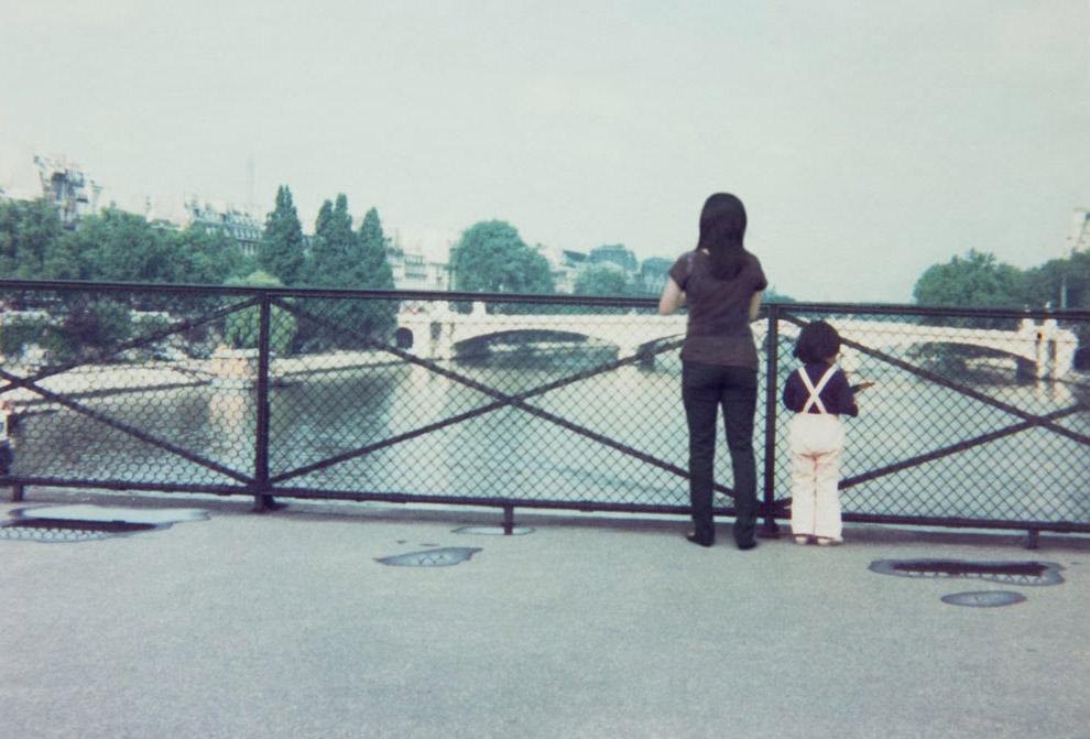 В гостинице Парижа, 1984 и 2005 года: