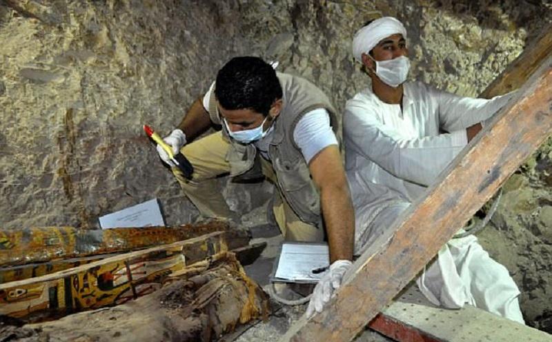 Предполагают, что гробница принадлежала вельможе, который работал судьей. Исследователи также обнару