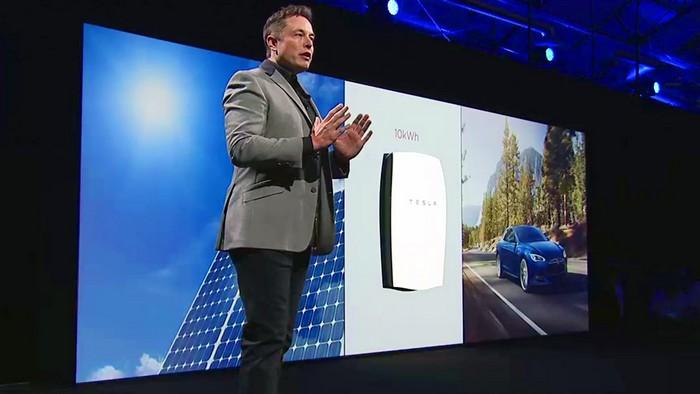 Бизнесмен Илон Маск – это один из тех людей, который собственными руками меняют будущее Человечества