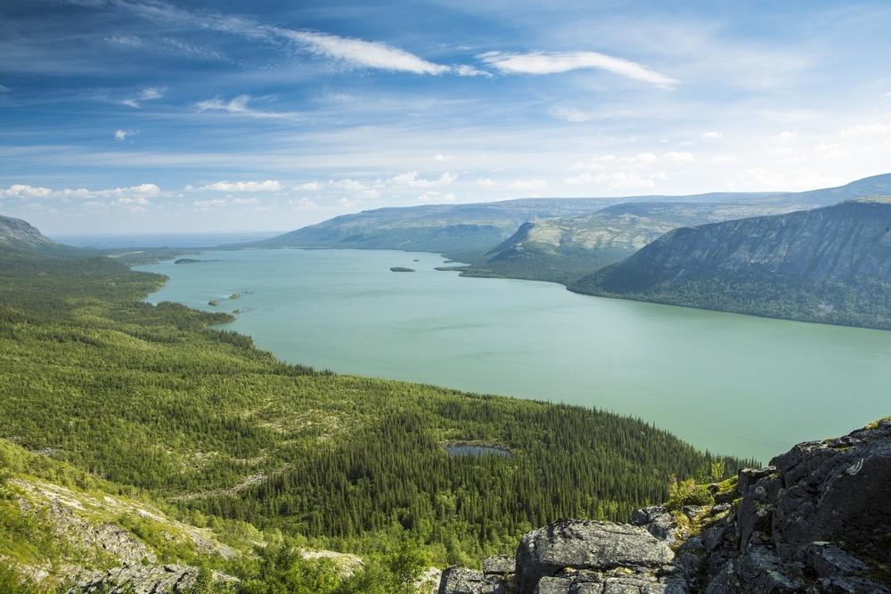 Сейдозеро, или впереводе ссаамского «Священное озеро», расположено навысоте 189м над уровнем мор