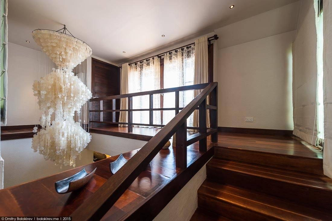 «Детская» комната с двумя раздельными кроватями и выходом на балкон. Надо признать – для двоих прост