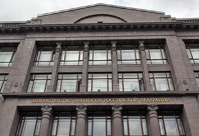 Министр финансов предложил с2017 года поднять акцизы набензин