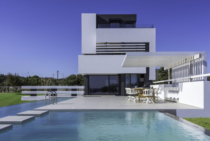 Albatross Residence by Andreas Chadzis and Myrto Kampaloni