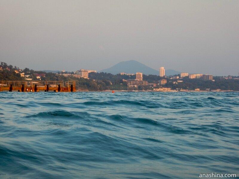 Вид из Дагомыса в сторону Сочи