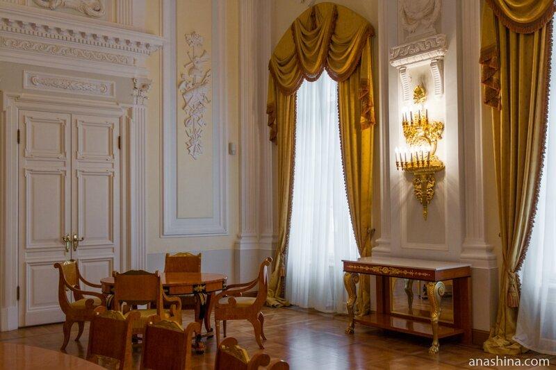 Желтая гостиная, Петровский путевой дворец
