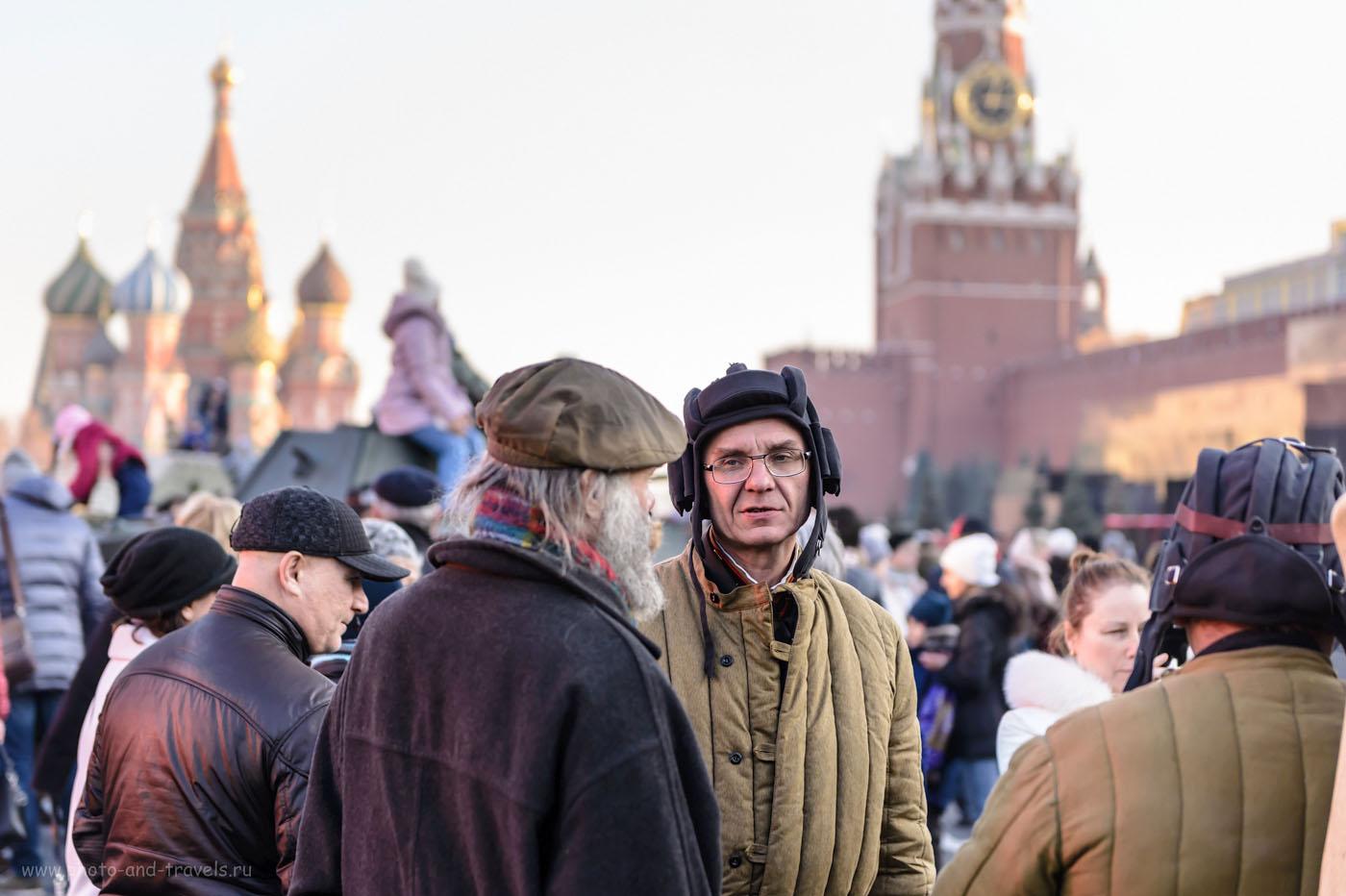 25. На Красной площади прошло костюмированное шествие в память о параде 1941 года. 1/640, 2.8, 400, 70.
