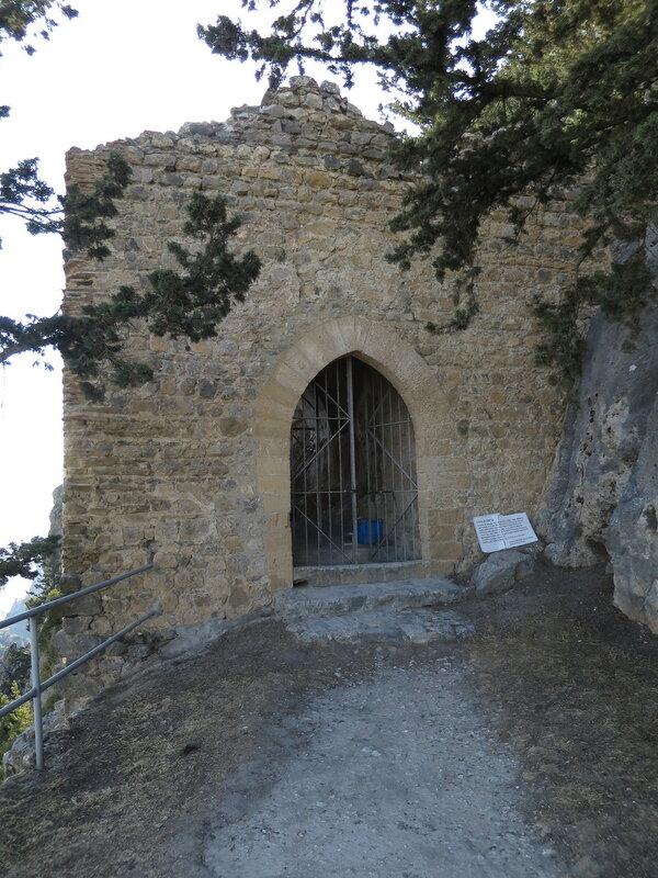 Буффавенто. Входная арка в башне 3