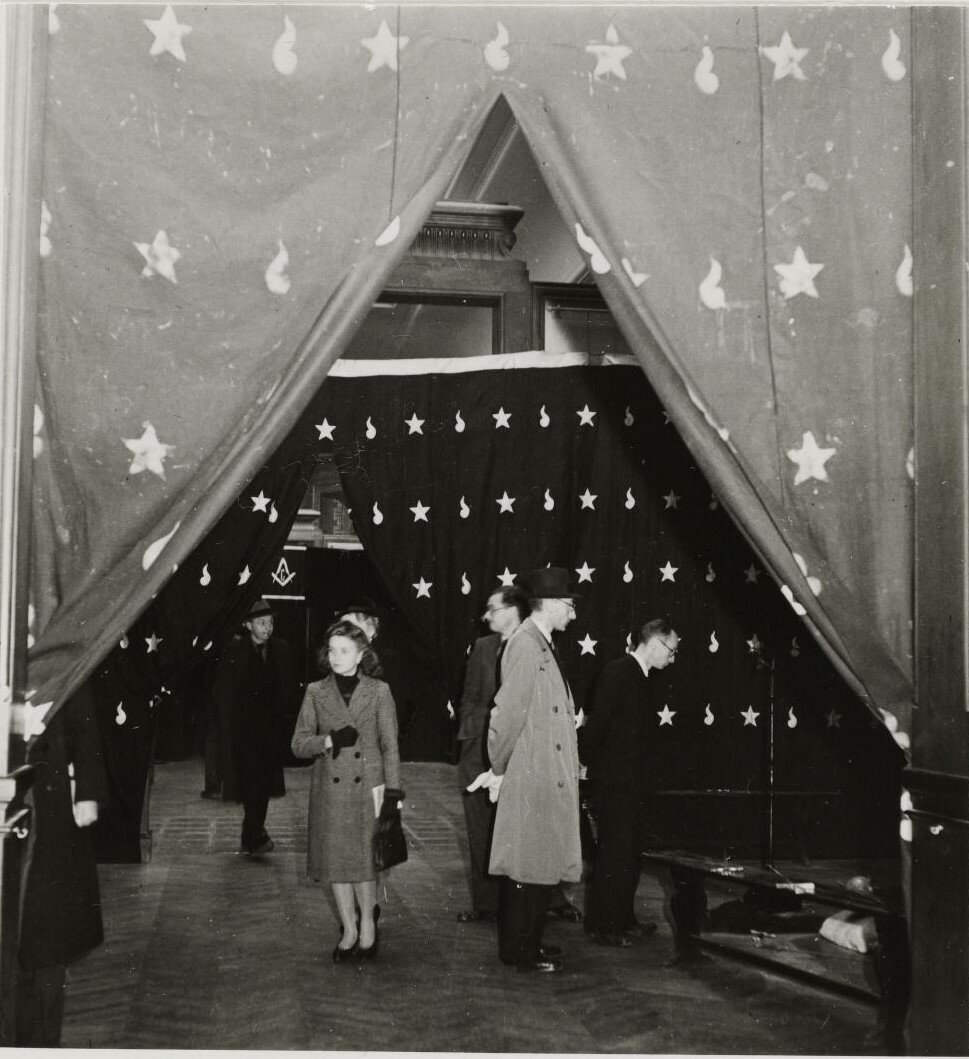«Масонская выставка» в Малом дворце. Посетители выставки