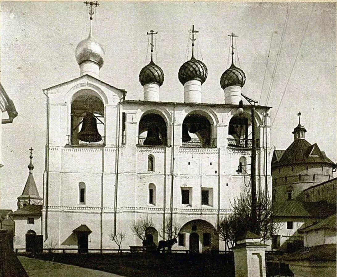 Кремль. Успенский собор. Звонница
