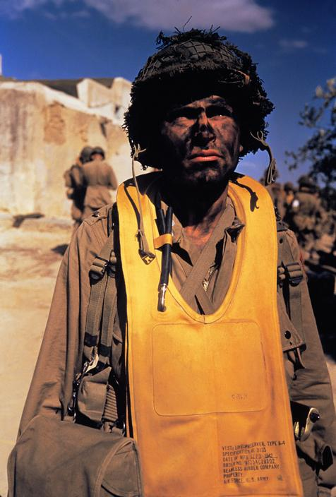 Wonderful Colour Photographs of World War II by Robert Capa (37).jpg