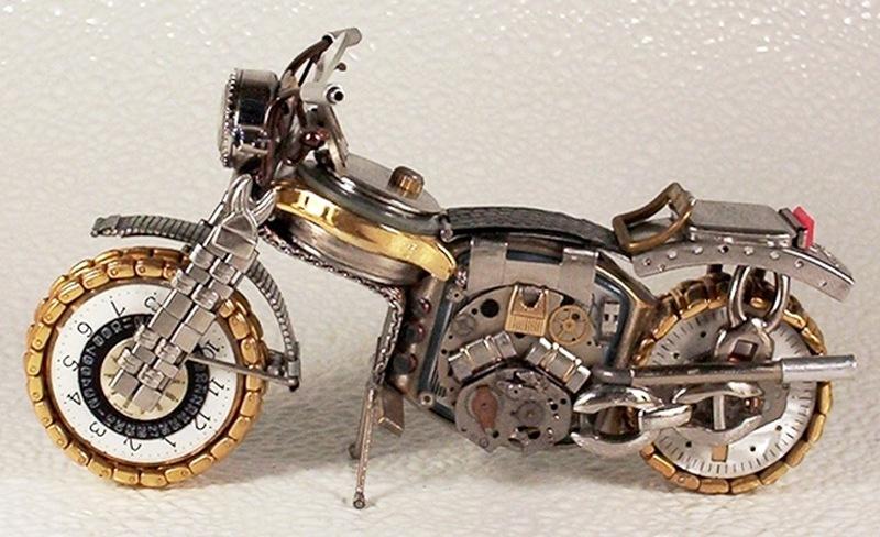 Мотоциклы из деталей часов