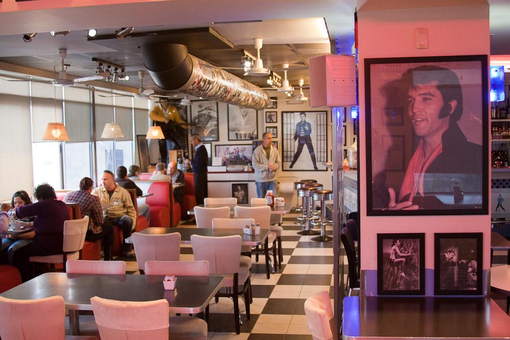 """Кафе """"Elvis"""". Израиль"""