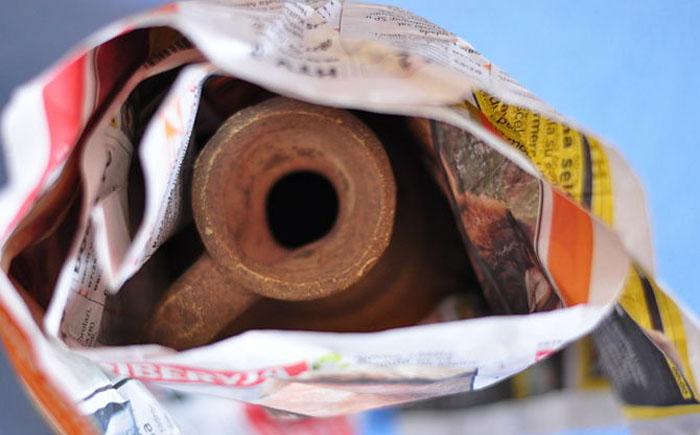 13. Упаковочная бумага Все хрупкие вещи можно упаковать в газеты, чтобы они не разбились, например,