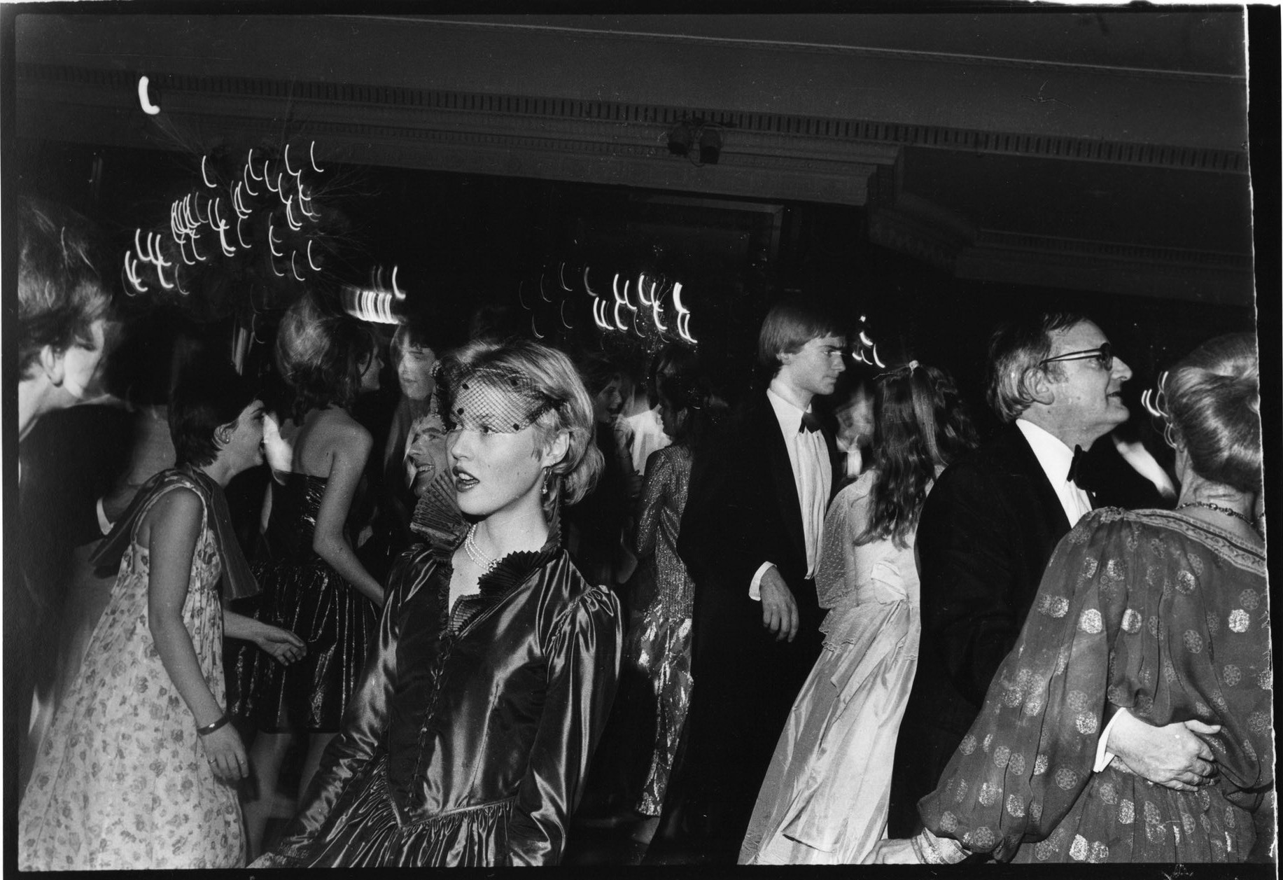 Леди Хенриетта Батхерст на Балу Золушки. Отель «Дорчестер», декабрь 1980 года. Бал Золушки — благотв