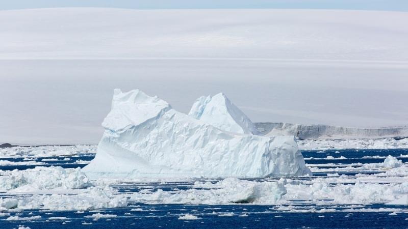 Русский  научный комплекс способен предсказывать образование идвижение айсбергов