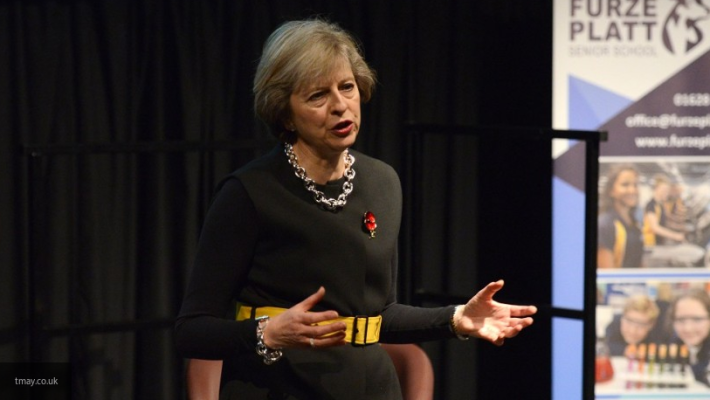 Большинство британцев поддерживают решение Мэй одосрочных выборах