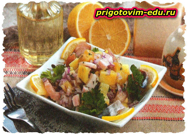 Салат с сельдью холодного копчения
