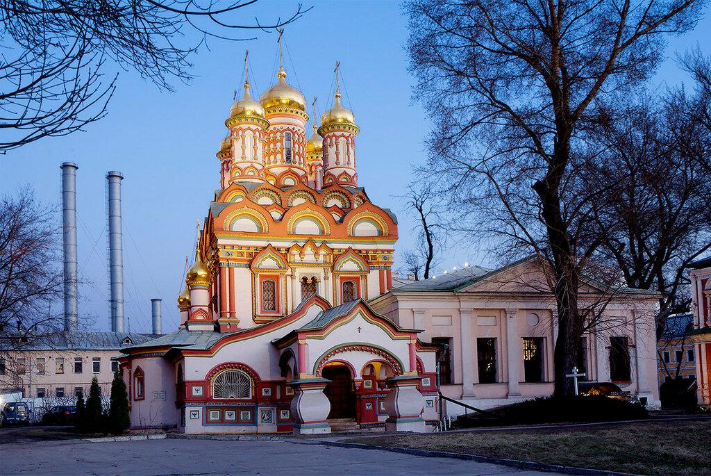 Москва. Храм Николая Угодника на Берсеневской набережной.