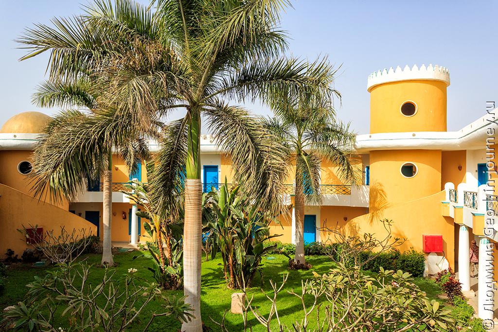 внутренний двор в корпусе Mirage Bay Resort & Aqua Park