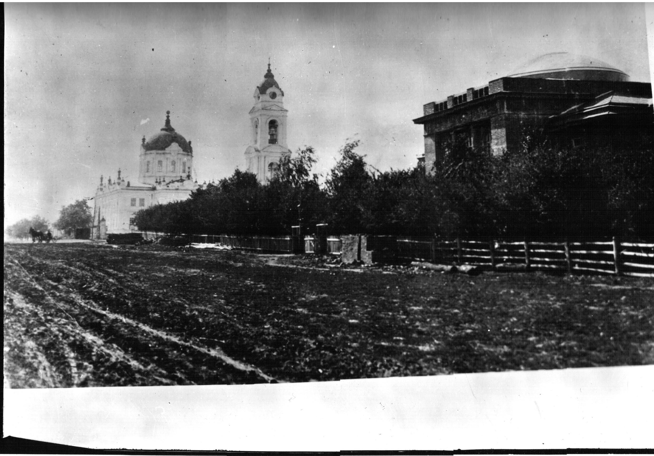 Народный дом и Покровский собор