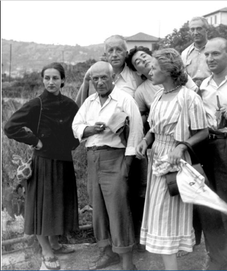 1950. Пабло Пикассо с Франсуазой Гилло и его друзьями