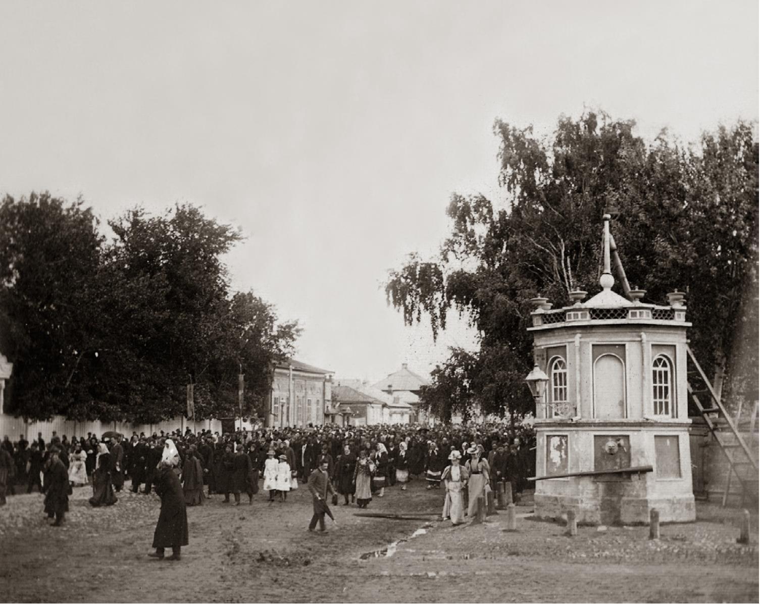 Крестный ход на ул. Московской в Муроме. 1890-е