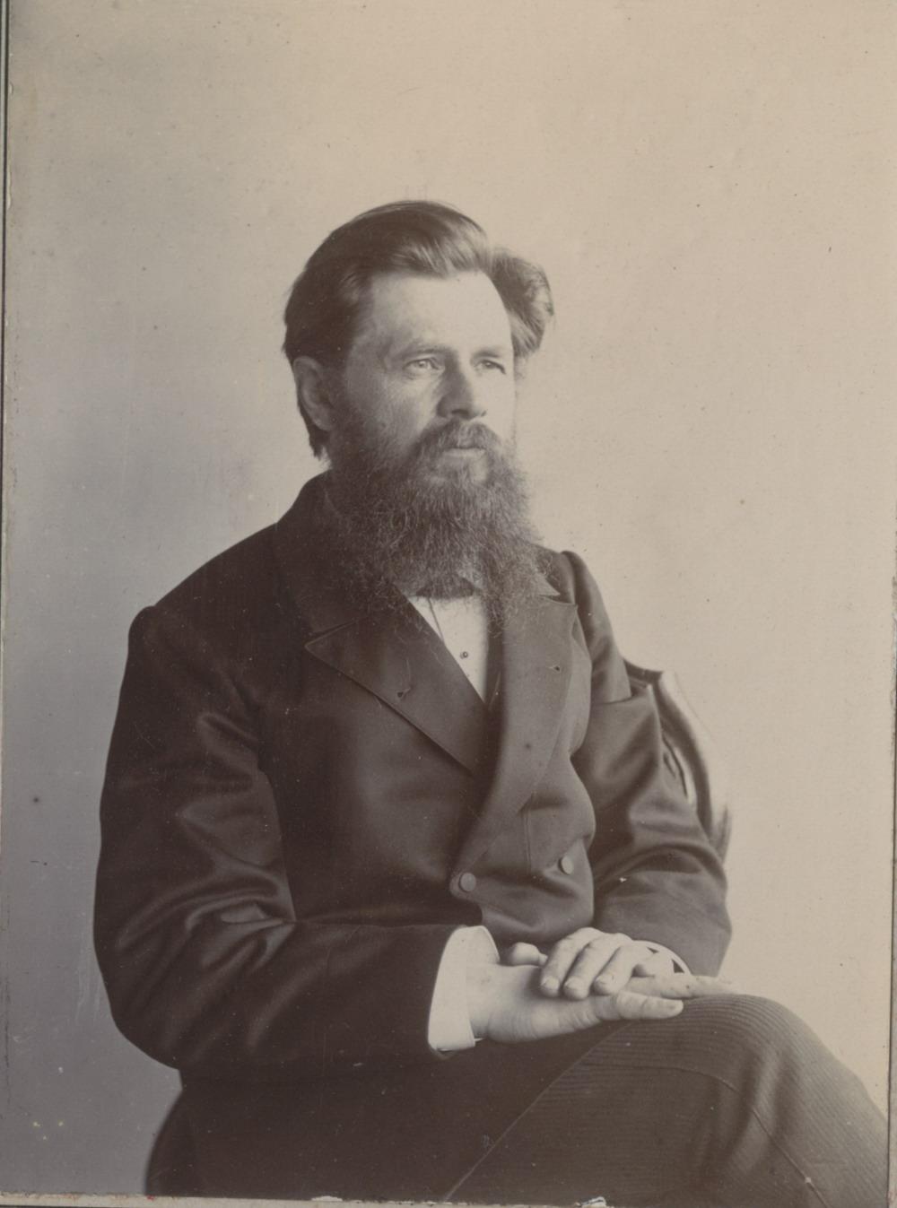 Портрет Городского головы и фотографа-любителя Ивана Петровича  Мяздрикова. 1899