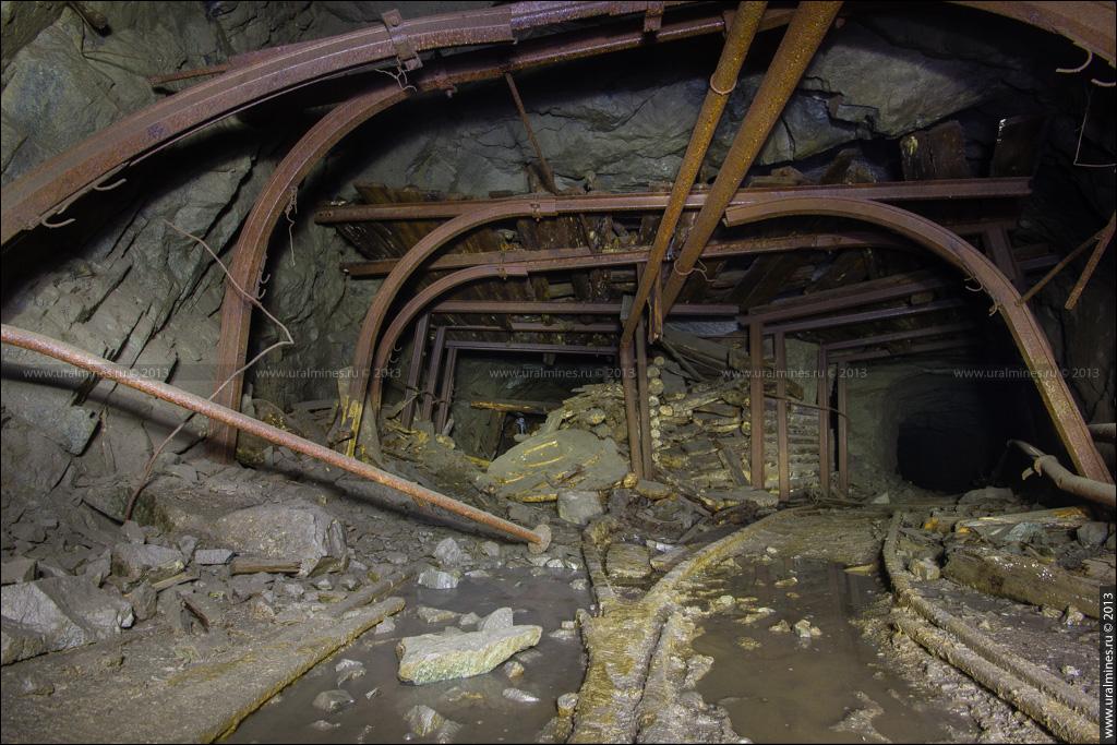 Заброшенная шахта на Урале