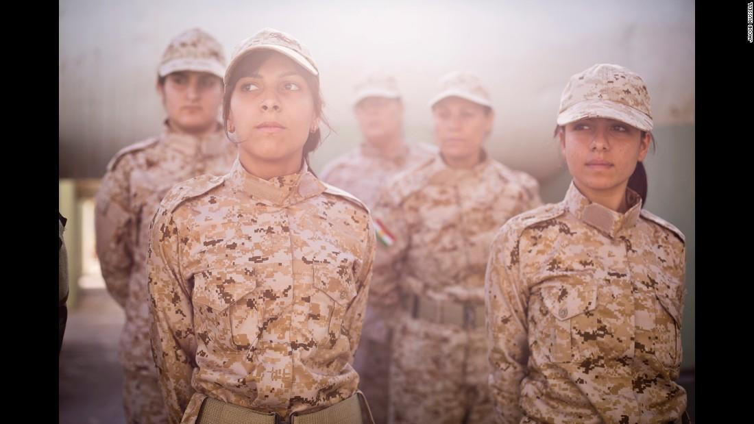 150305122210-01-cnnphotos-female-peshmerga-restricted-super-169.jpg