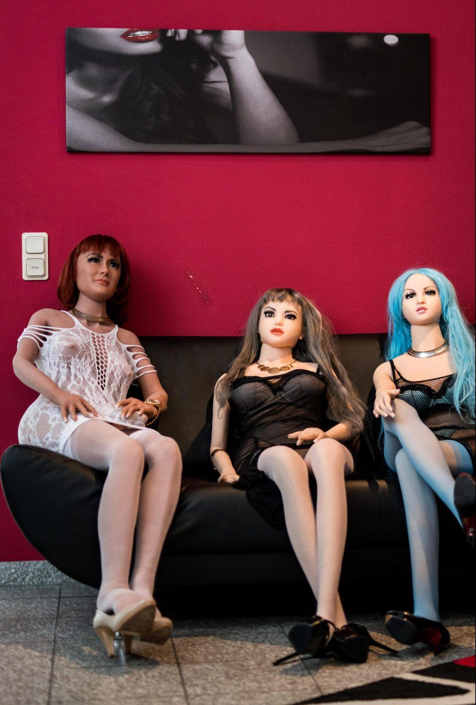 Первый в Германии бордель с секс-куклами