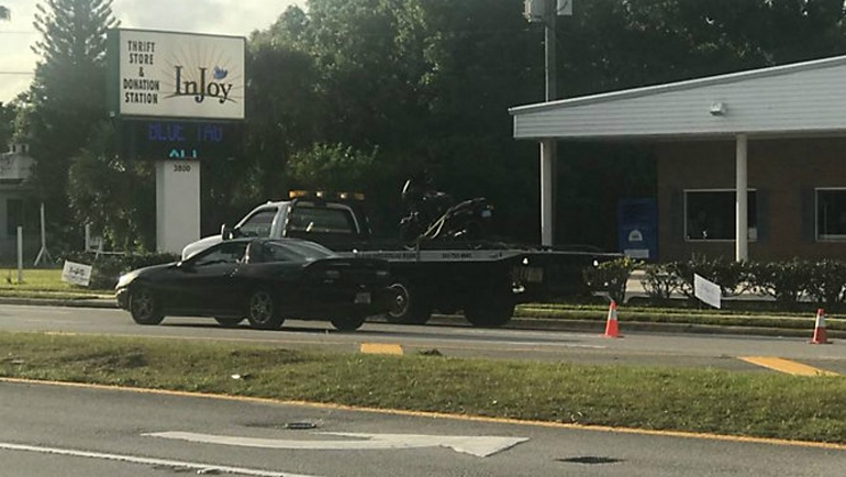 Флоридский мотоциклист попал в аварию и выстрелил себе в ногу