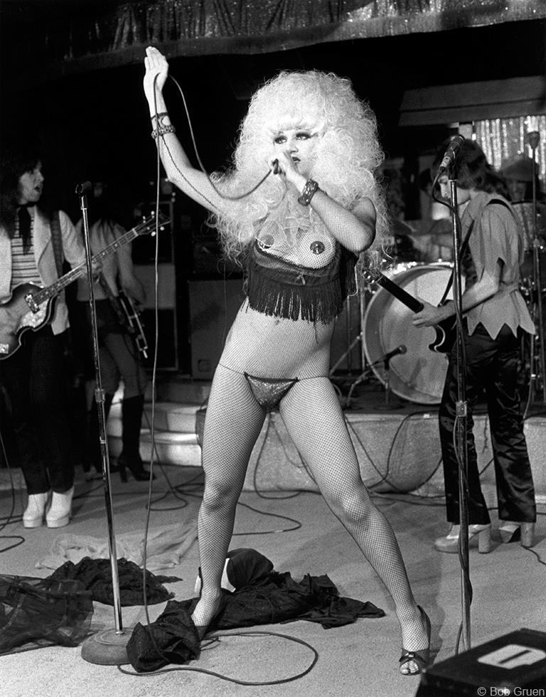 1974. Джейн Каунти