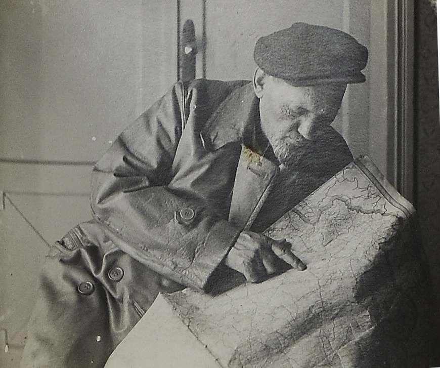 1943. Фото командира соединения партизанских отрядов Сумской области Ковпака С.А.