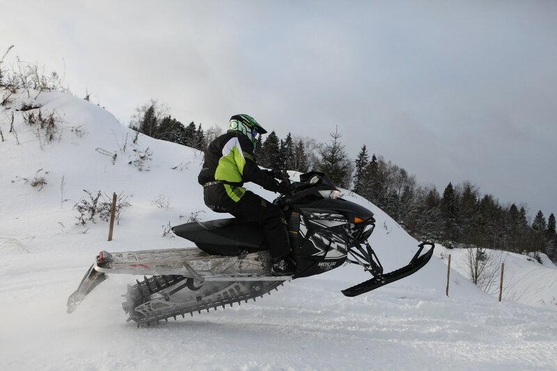 снегоход - прыжок