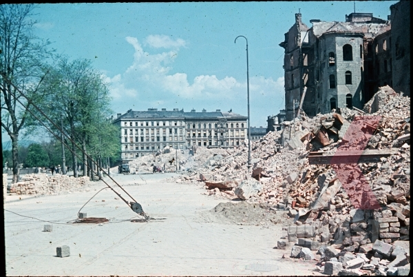 stock-photo-ww2-color-austria-vienna-wien-russian-attack-bombed-1945-rooftop-citiy-destroyed-rubble-ruins-red-flag-9485.jpg