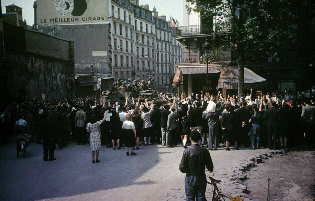 Paris - 1944 - LIFE Collections