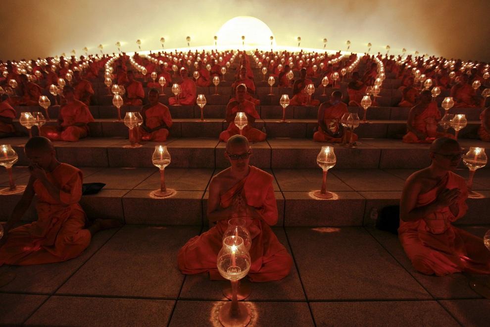 Молитвы со свечами на праздник Макха-Буча