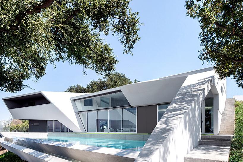 «Приземленный» дом на Голливудских холмах