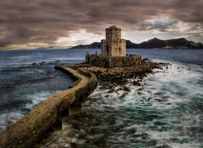Венецианский замок-крепость Метони с XIV века был центром сражений и последним в этих краях форпосто