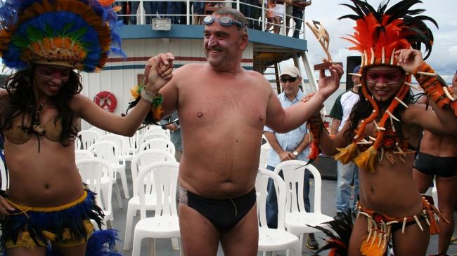 © mongrelmedia  Мартин невыглядит как обычный спортсмен, его неназовешь стройным. Онлюбит п