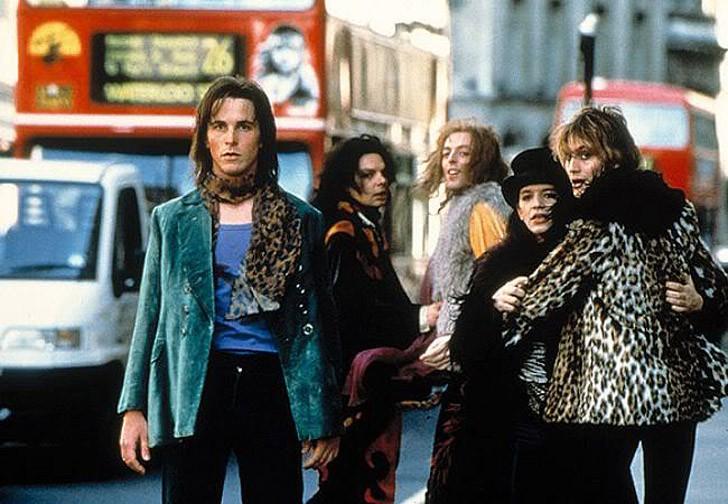 2. Бархатная золотая жила (1998) Одна из самых тонких и изящных трансформаций в карьере Кристиана. Э