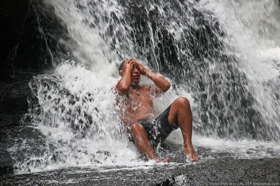 А вот, собственно, и сам водопад: